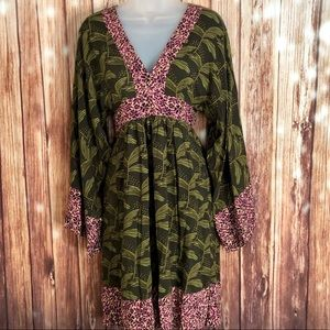 Rachel Rachel Roy Sz 0 Green bell sleeves dress.